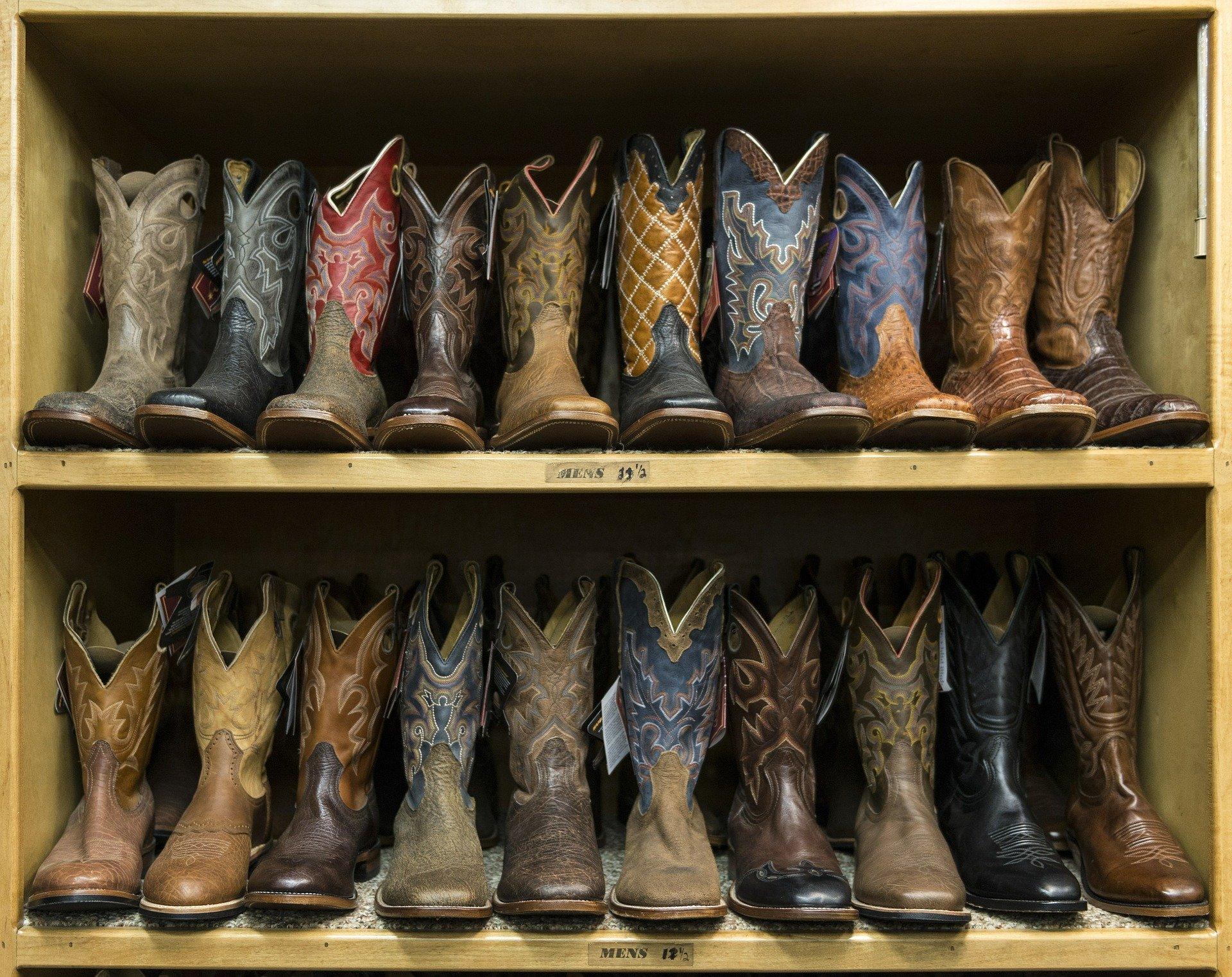 cowboy-boots-553668_1920
