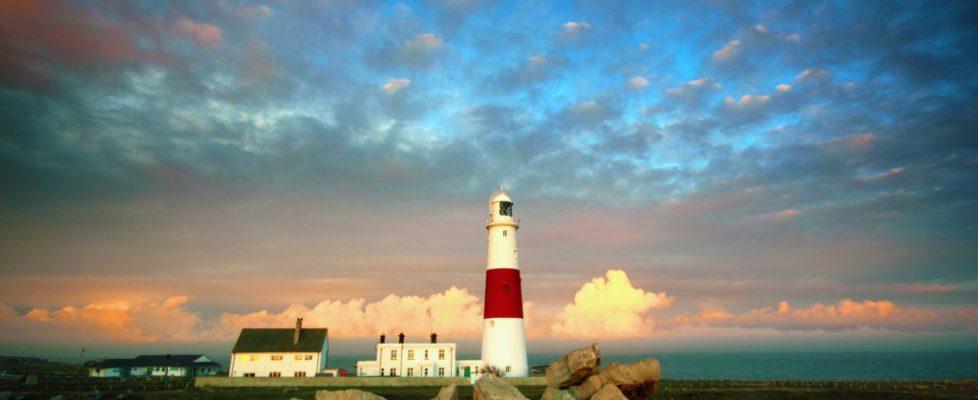 lighthouse-1039189_1920