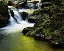 waterfall-204398_1920