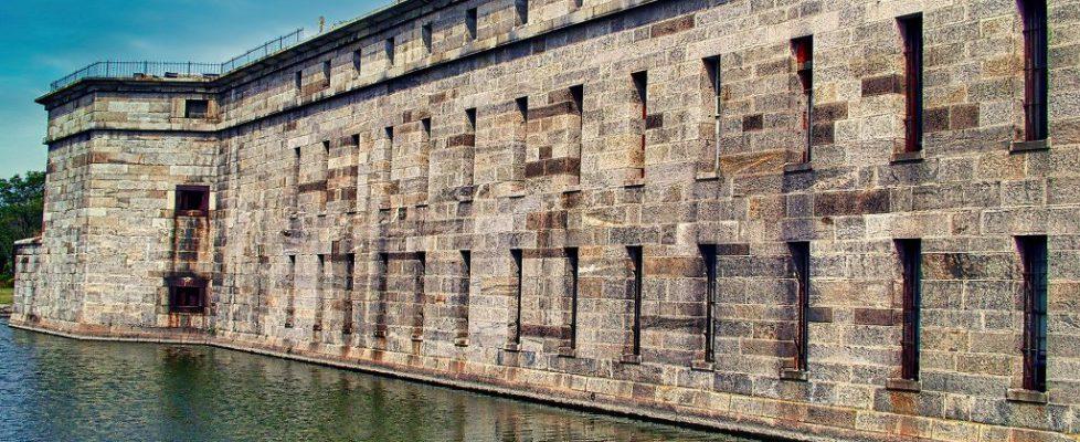 fort-5250707_1920